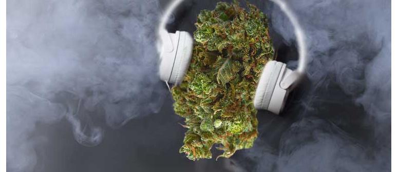 Fünf Playlisten, die Du hören solltest, wenn Du high bist