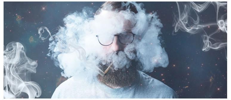 4 Tipps, wie Du nach dem Rauchen nicht nach Gras riechst