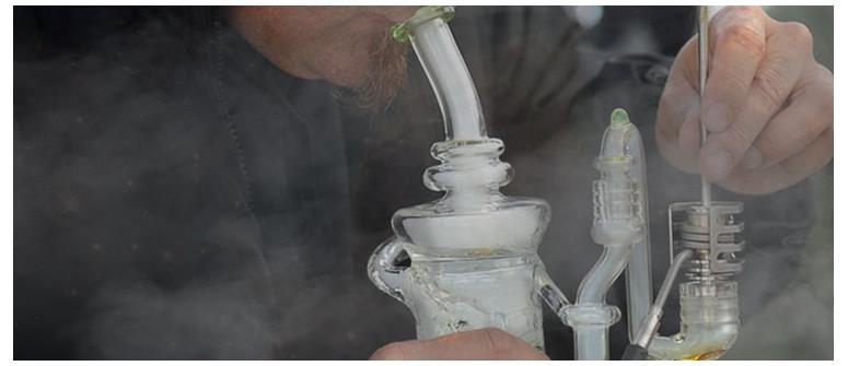 Essentielle Werkzeuge zum Dabben von Marihuana