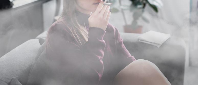 Wie man den Geruch nach dem Rauchen von Gras loswird