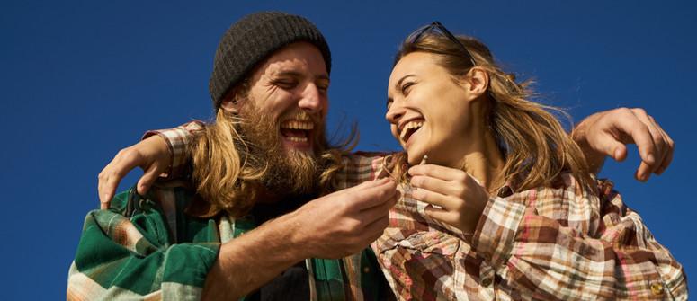 Die Top 10 Cannabissorten, die Dich zum Lachen bringen